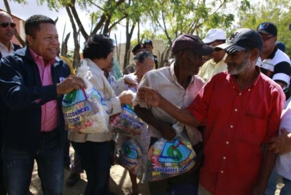 Comedores Económicos intervienen 10 comunidades de Montecristi