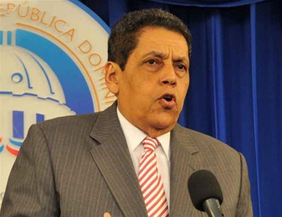 Consultor jurídico dice Reglamento no contraviene Ley 169-14