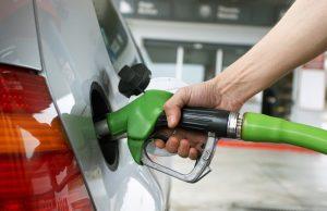 El Gobierno baja entre RD$2.20 y RD$3.00 las gasolinas