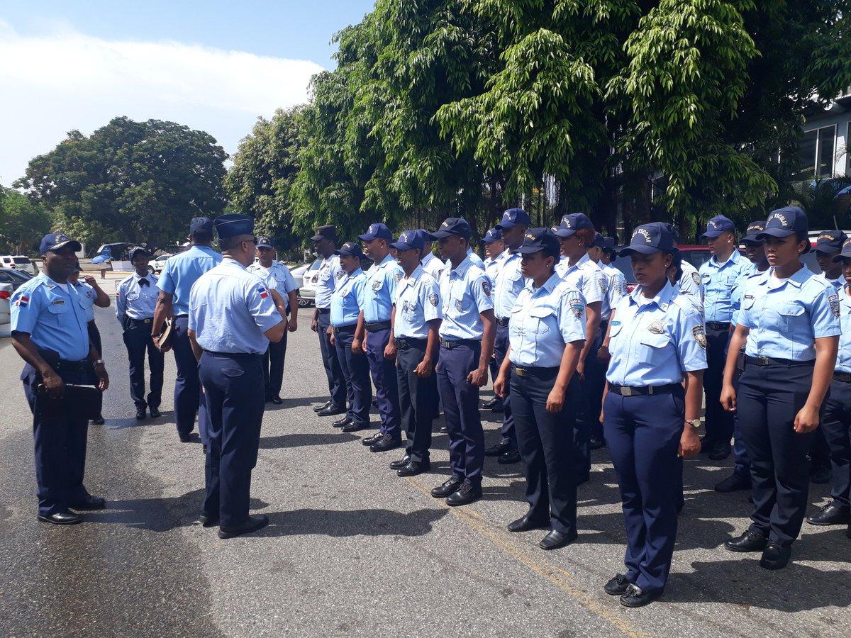 Polic a escolar brindar seguridad en feria internacional for Ultimas noticias del espectaculo internacional